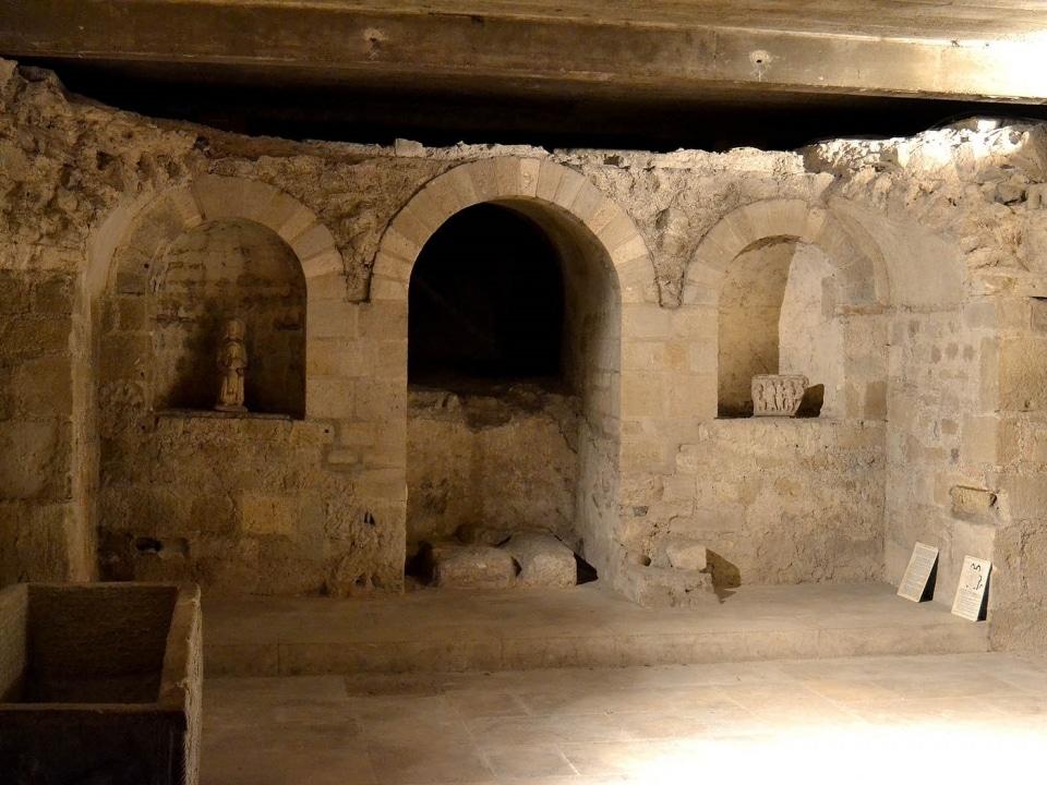 cathédrale Clermont ; la crypte