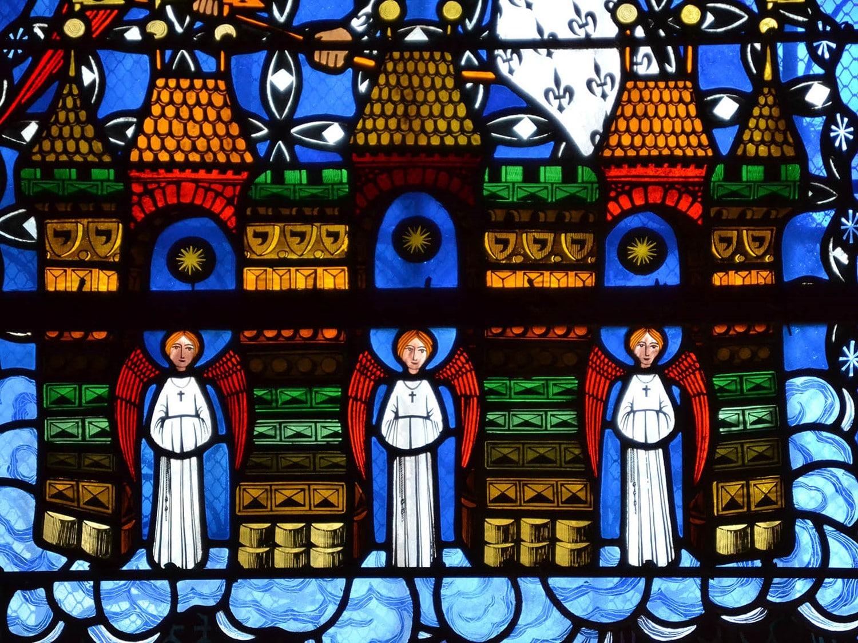 """Vitrail de Makaraviez, cathédrale de Clermont, la """"Jérusalem céleste"""""""