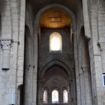 Arlanc, église, vue de la nef
