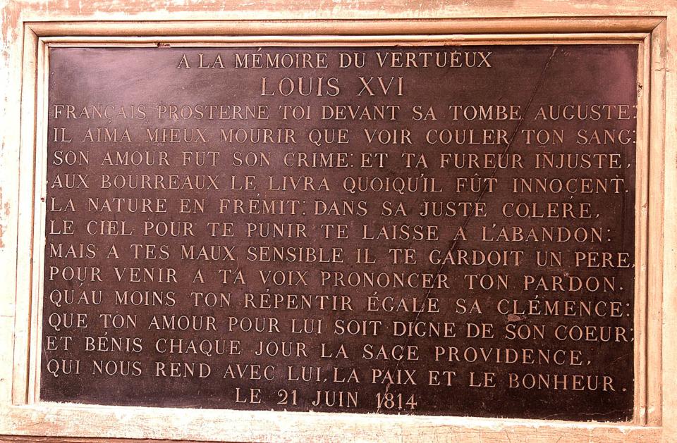 Artonne, église, plaque