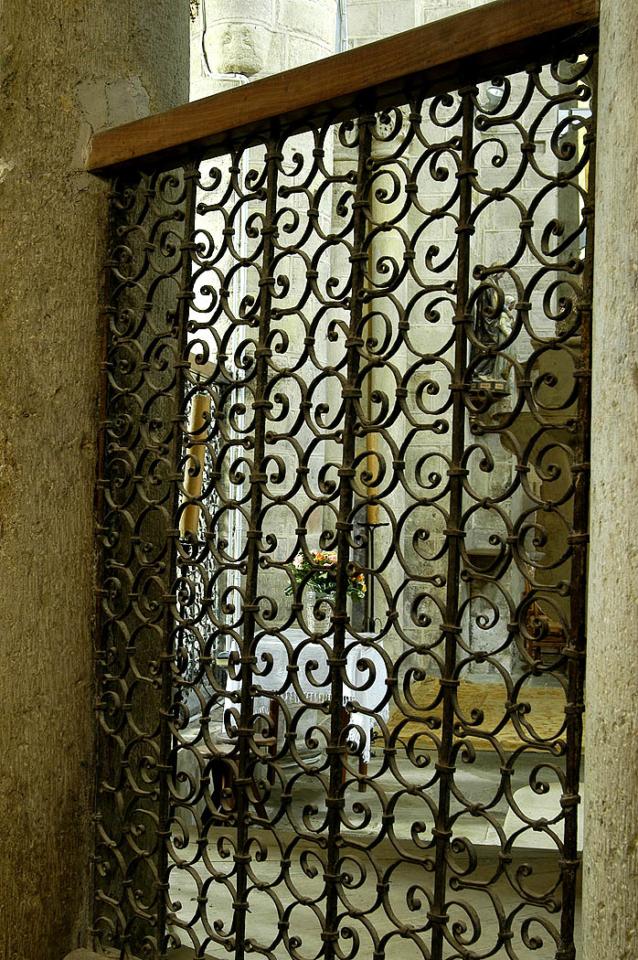 Artonne, église, grilles