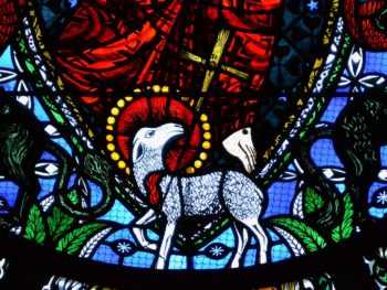 Cathédrale de Clermont, vitrail d'Alain Makaraviez, l'Apocalypse : l'Agneau immolé