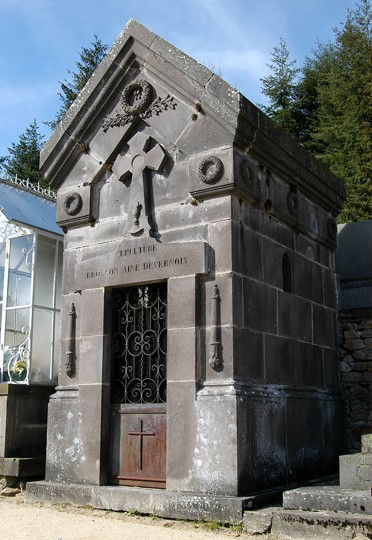 Arconsat, chapelle de cimetière